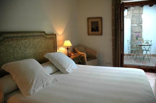 Boutique Double or Twin Room Hotel Puerta de la Luna 1