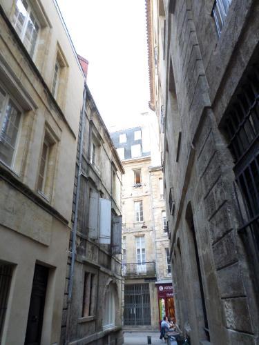 Bordeaux appartement place du parlement bordeaux for Appartement bordeaux grand theatre