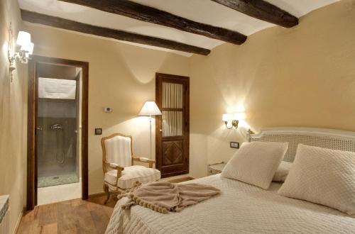 Standard Double Room Hotel Real Posada De Liena 6