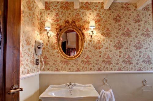 Standard Double Room Hotel Real Posada De Liena 7