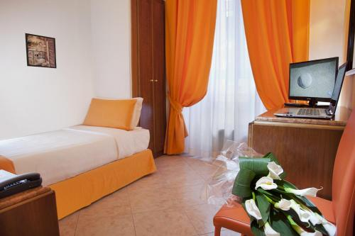 Best Price on Hotel Max in Rome + Reviews!