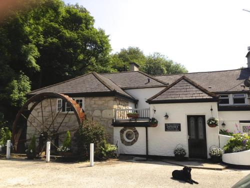 The Waterwheel Inn