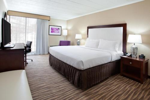 Pittsburgh Plaza Hotel
