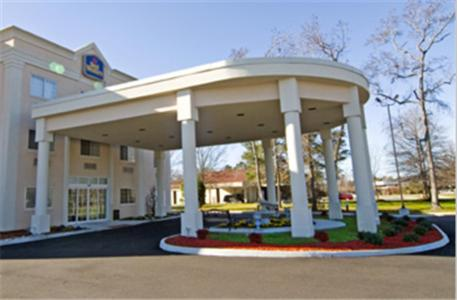 Photo of Best Western Plus Newport News Hotel Bed and Breakfast Accommodation in Newport News Virginia