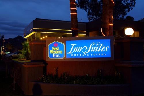 Photo of Best Western Innsuites Phoenix Biltmore/Scottsdale Hotel Bed and Breakfast Accommodation in Phoenix Arizona
