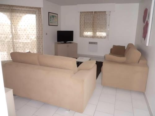 Two-Bedroom Apartment - 80PA141