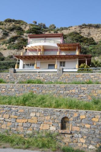 Thalassa House Apartments