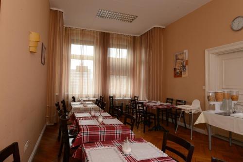 pension classic in berlin deutschland mit bewertungen. Black Bedroom Furniture Sets. Home Design Ideas