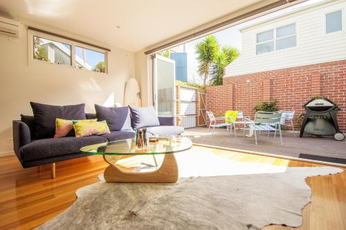 Little Lyell St - A Luxico Holiday Home