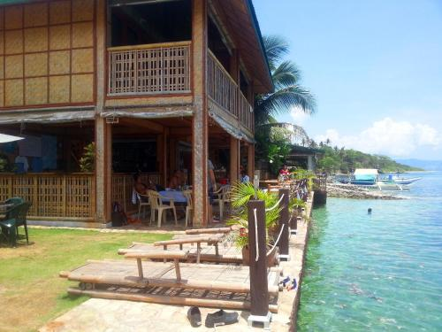 Marlin Bar Restaurant And Accommodation