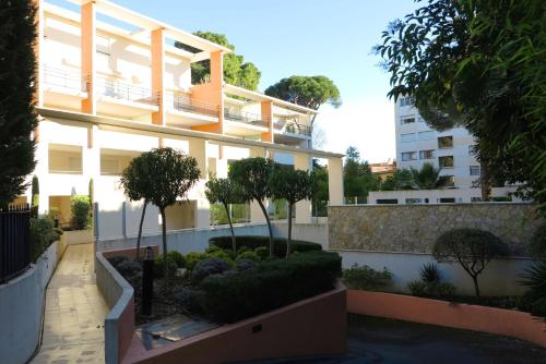 Viva Riviera -14 Avenue Isola Bella
