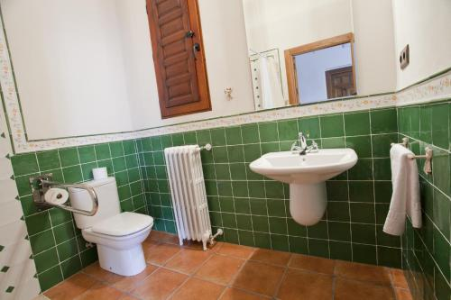 Superior Twin Room - Disability Access - single occupancy Casa de La Campana 2