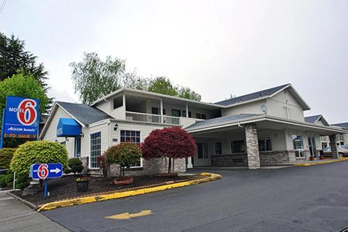 Motel 6 Portland Mall 205