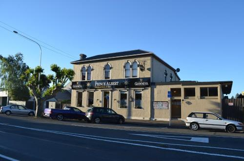 Picture of The Prince Albert Backpackers & Bar
