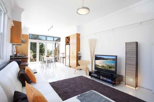 Bondi Beach Breeze - A Bondi Beach Holiday Home