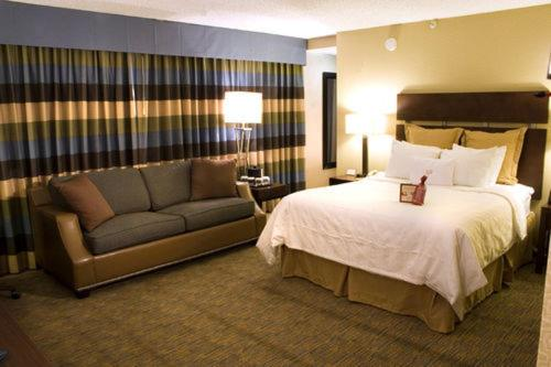 Photo of Crowne Plaza Billings Hotel Bed and Breakfast Accommodation in Billings Montana