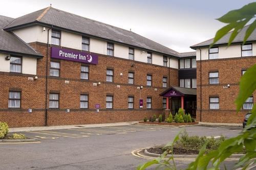 Premier Inn Livingston (M8-J3)