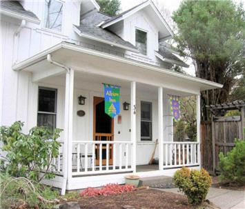Photo of Albion Inn Bed and Breakfast Hotel Bed and Breakfast Accommodation in Ashland Oregon