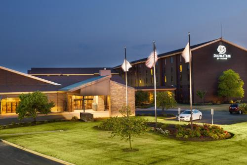 DoubleTree by Hilton Collinsville/St.Louis - 5.0 star rating for travel with kids