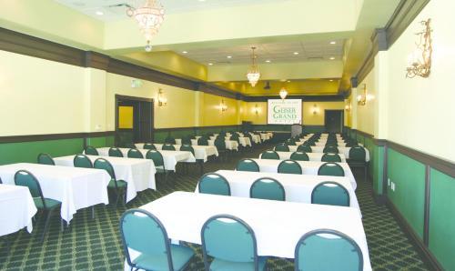 Geiser Grand Hotel Rooms