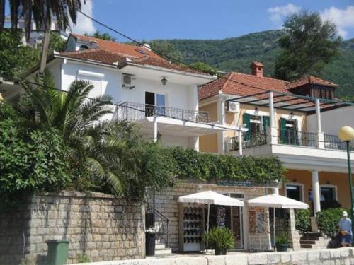 Picture of Apartments Obala Djenovici