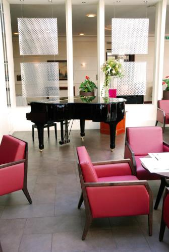 Evergreen laurel hotel h tel 8 place georges pompidou - Adresse bureau veritas levallois perret ...