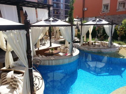 Menada Romance Marine Apartments
