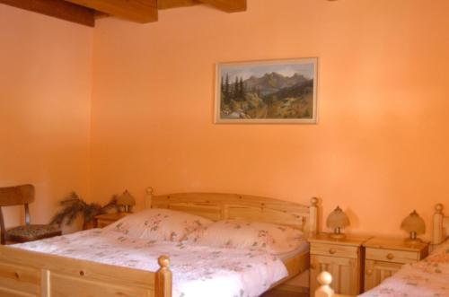 Xalet amb tres habitacions (Three-Bedroom Chalet)