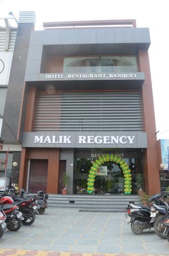Hotel Malik Regency front view