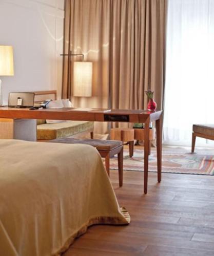 Louis Hotel photo 5