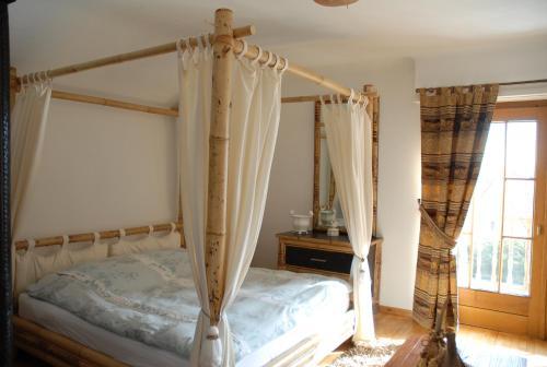 Villa thalassa chambre d 39 h tes 65 rue de sarreguemines for Piscine sarreguemines horaires