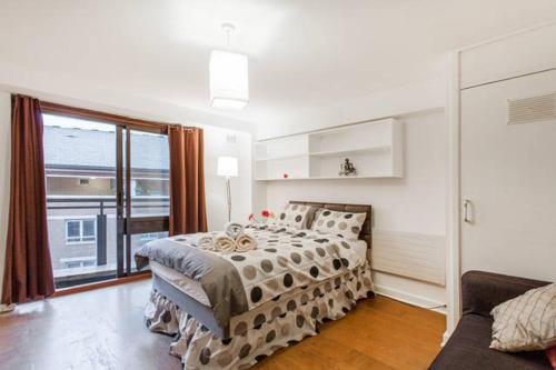 Three Bedroom Apartment in Covent Garden