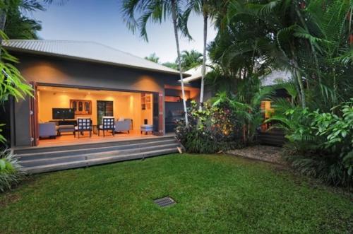 Bali House - Luxury Holiday Home