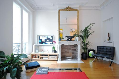 Champs Elysees Homestay