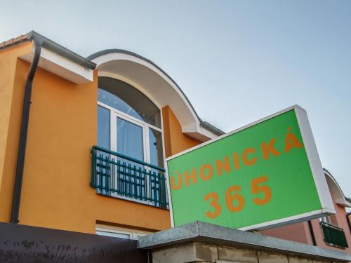 Apartment Jenec