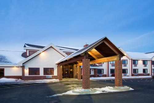 Americinn Lodge & Suites New London