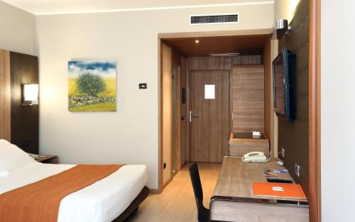 Deluxe Double Room (1 Adult)