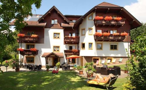 Appartements Allmaier - Apartment mit 2 Schlafzimmern mit Balkon