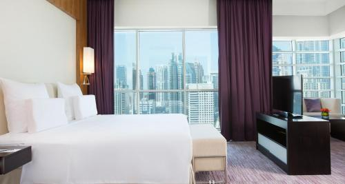 Pullman Dubai Jumeirah Lakes Towers photo 32