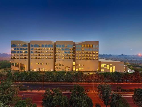 Отель Vivanta by Taj Dwarka New Delhi 5 звёзд Индия