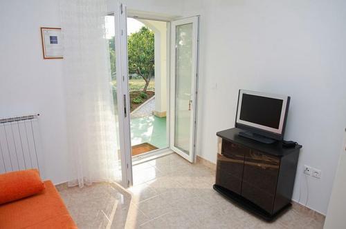 Apartments & Rooms Nada