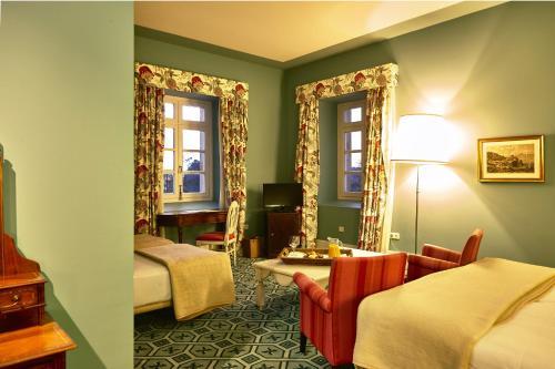 Quadruple Room Palacio Urgoiti 6