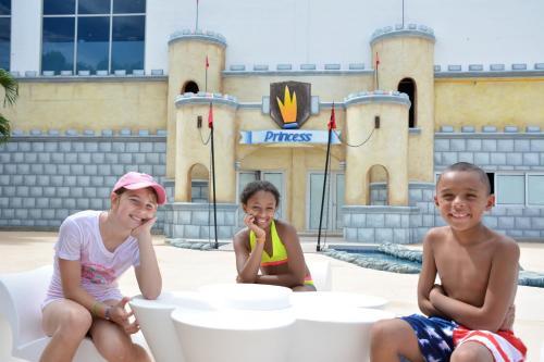 Family Club at Grand Riviera Princess