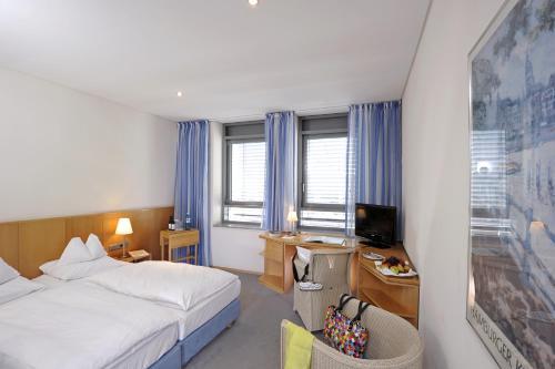 Hotel Baseler Hof photo 14