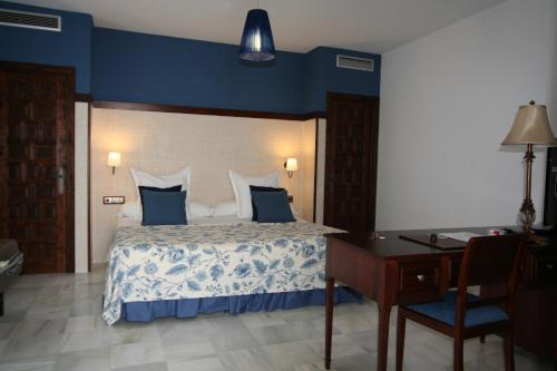Suite Junior (3 adultos) Palacio San Bartolomé 1