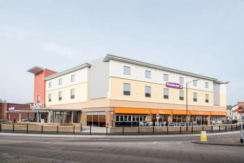 Premier Inn Yeovil Town Centre