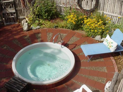 Taos Bed And Breakfast Hot Tub