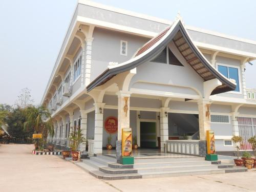 Three Sisters Resort, Ban Thana
