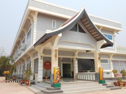 Three Sisters Resort, Ban Thana