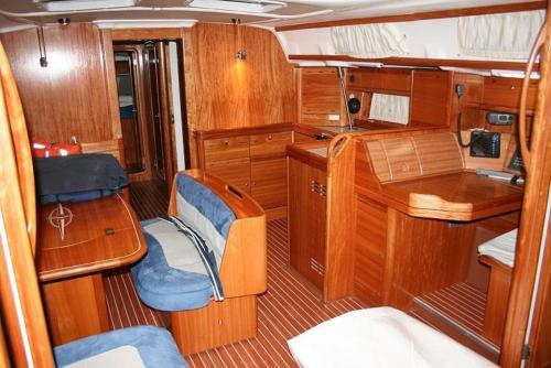 three-Bedroom Boat